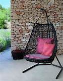 unique-hanging-swing-outdoor-garden-furniture-decor-black-frame
