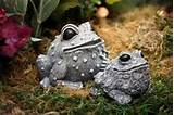 mommy frog toad with baby toad statue concrete outdoor garden decor