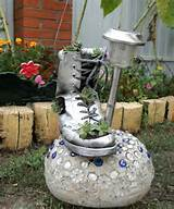 garden-decor-idea-boot-succulents-planter.jpg