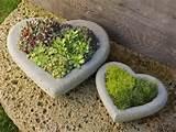 unique garden d cor ideas with stone heart