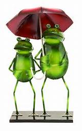 outdoor decor rainy day garden frogs