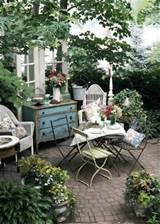 how to decorate patio english type