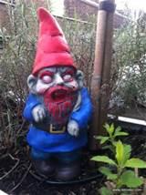 zombie_garden_gnome_4.jpg