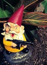 Funny-Garden-Gnomes-08.jpg