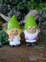 ... gnomes Custom painted ..... Gnomeo and his Juliet Painted to your