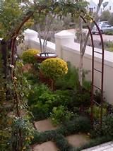 garden arches 118458657 jpg