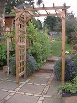 wooden garden arch with trellis free collection or local delivery only