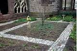 brick garden edging ideas http gardendesign plans blogspot com 2013