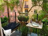 Download apartment-balcony-vegetable-garden-plants-ideas