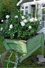 Brocante garden decor!