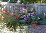 of well exectued small garden designs. Photos of small flower gardens ...