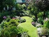garden landscape design ideas for small garden with smaller plants