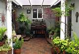 lovely small garden courtyards designs