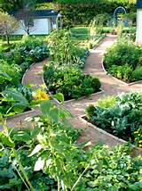 traditional vegetable garden patio decorating style 600x801 jpg
