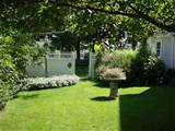 Simple Backyard Classical Garden Ideas