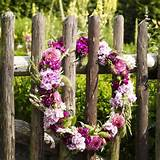 garden decorations on a budget flower wreath picket fence