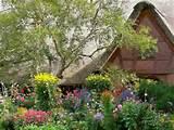 flowers garden cottage wallpaper yvt2 jpg 1024 768