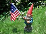 funny garden gnomes holding the flagstick resin figurine for