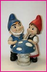 Gnomeo-And-Juliet-Garden-Gnome-Statue.jpg
