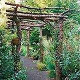Garden Trellis Ideas rustic garden arbor Small Backyard Landscaping ...