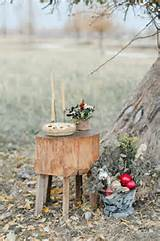 Rustic Outdoor Wedding Decor | photography by http://www.rebeccahollis ...
