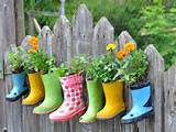 kids boots flower fence diy homemade garden decoration fun craft ideas