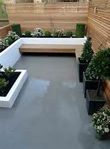 london modern garden design cedar tile bench planting privacy screens