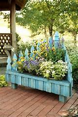 Picket Fence Planter, so cute!!