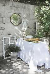 Courtyard - I have such a thing for garden statues! (Cote de Texas)