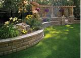 40 Retaining Walls and Raised Flower Bed Ideas