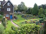 TQ6053 : An English country garden, Plaxtol, Kent
