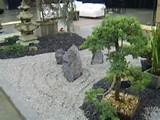 japanese garden raked gravel with black stone 640x480 Landscaping ...