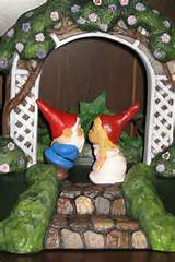 ... gnome gnomelyweds..... wedding cake toppers .. Gnomeo and his Juliet
