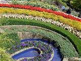 the rainbow garden was very cleverly planted