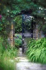 Garden Arch With Gate