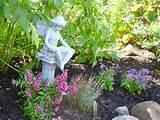 garden fairy reading