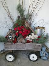 ... decor ideas 17 554x738 40 Comfy Rustic Outdoor Christmas Décor Ideas