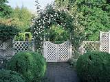 DIY – Garden Arbor