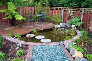 ... Garden Ponds Design Ideas to Spruce Up Your Yard : Small Garden Pond