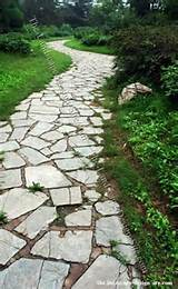 Inexpensive Walkways and Paths | Natural Flagstone Garden Path Idea