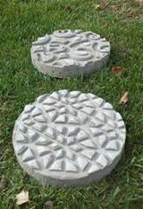 DIY Garden Stepping Stones | The Garden Glove