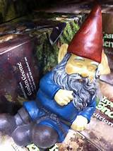 If you know anyone who loves gnomes and I know you do.