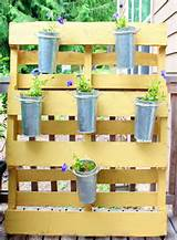Small space garden pallet project (above and below) by Melissa at The ...