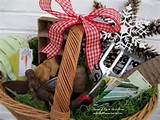 gift ideas for gardeners make your own basket with garden supplies