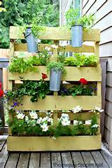 12 Ideas for Turning a Pallet into a Flower Garden - Living Locurto