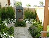belle d coration pour votre petit jardin avec cette all e en pierre
