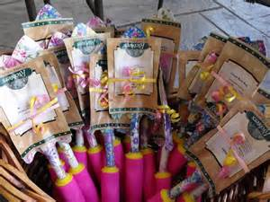 bridal shower gifts garden trowel and seed packets love this idea
