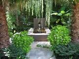 ideas fuentes jardin bonitas iluminadas noche verano moderno