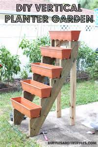 Simple DIY Vertical Planter Plans - XnY Do It Yourself Ideas For Your ...