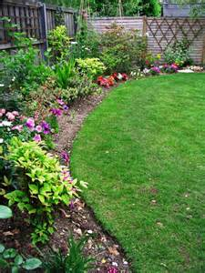 choose brick english or metal edging for a neat border and a lawn
